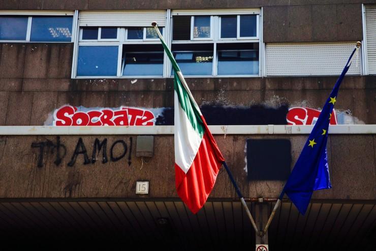 Incendio nel Liceo Ginnasio Socrate,in zona Garbatella.